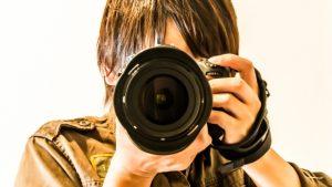 仕事を楽しむカメラマン